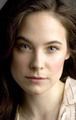 All best and recent Caroline Dhavernas pictures.