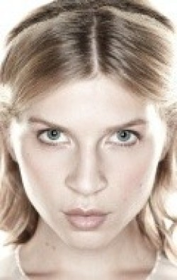 Clemence Poesy - hd wallpapers.