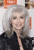 All best and recent Emmylou Harris pictures.
