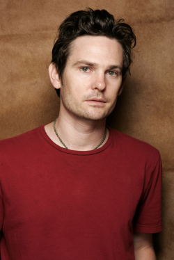 All best and recent Henry Thomas pictures.