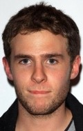 All best and recent Iain De Caestecker pictures.