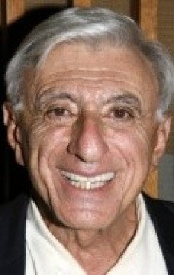 Jamie Farr - wallpapers.