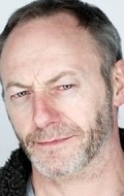 Liam Cunningham - wallpapers.