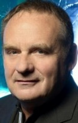 All best and recent Paul Guilfoyle pictures.