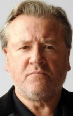 All best and recent Ray Winstone pictures.