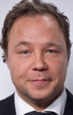 Recent Stephen Graham pictures.