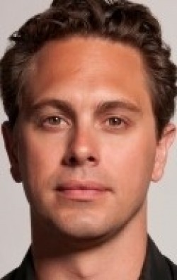All best and recent Thomas Sadoski pictures.